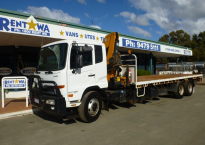 Single Cab 7.3m Tray with Crane (10 Tonne)